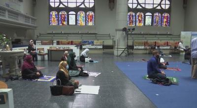 Мюсюлмани в Берлин посещават църква, защото джамиите са затворени