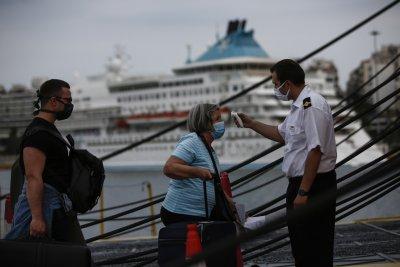 От 15 юни можем да ходим на море в Гърция. Тестват ни избирателно за COVID-19