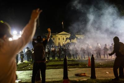 Не стихват протестите в САЩ след смъртта на Джордж Флойд