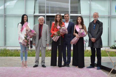 """Избраха новата """"Царица Роза"""" на Казанлък с онлайн конкурс"""