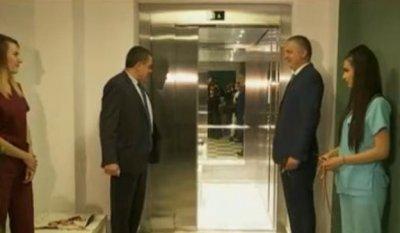 Нов външен асансьор ще помага за транспортиране на носилки в АГ болницата във Варна