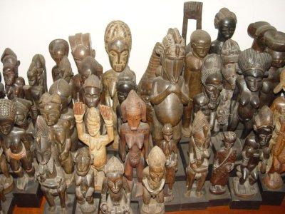 Намерени и иззети са над 3 000 предмета от колекцията на Божков. Той регистрирал едва 212 артефакта