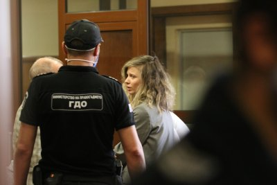 Пуснаха певицата ЛиЛана под домашен арест
