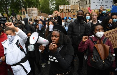"""Движението """"Животът на чернокожите има значение"""" обхваща света"""