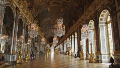 Версай отвори, но има ли кой да го посети?