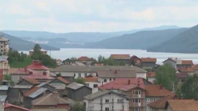 Без пропускателен режим в община Сърница, ограничават пътуванията дотам