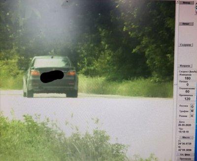 Камери заснеха шофьор да кара със 180 км/ч при допустими 60 в Пловдив