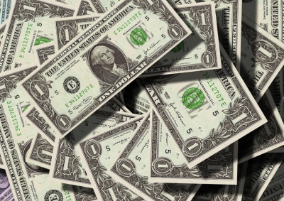 Как изглеждат парите на милиардерите, подредени в купчина по 1 долар