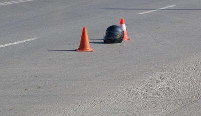 Катастрофа до Окръжна болница: Ударили са се мотор и кола