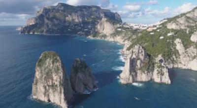 Красотата на Капри: Кристално чиста вода и възраждане на дивата природа след изолацията