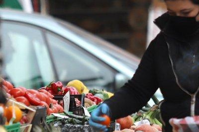 БАБХ: Пробата за пестициди няма да увеличи цената на плодовете и зеленчуците