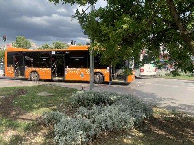 """Автобус удари дете с тротинетка в столичния """"Младост"""" 3"""