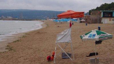 Хора с двигателни увреждания без достъп до плажа във Варна. Защо?