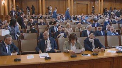 ГЕРБ дават Нинова на прокурор заради твърденията ѝ за водата в Хасково