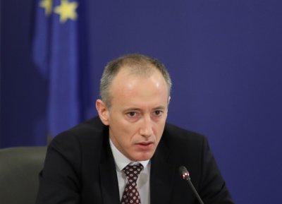 Министър Вълчев: Не се притеснявам от проверка на КПКОНПИ