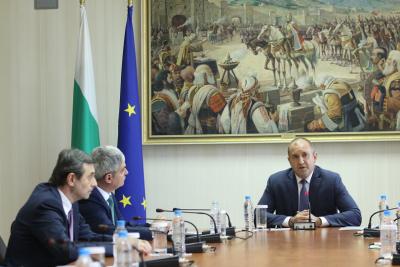 Синдикатите поискаха от Румен Радев съдействие за по-бързо обнародване на промените в Закона за енергетиката