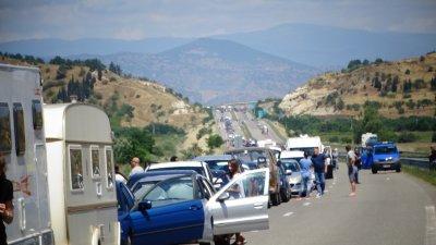 """Пак километрични опашки на """"Кулата"""": 4 км коли, 7 км тирове"""