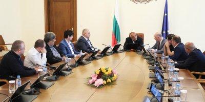 Премиерът Борисов се срещна с представители на сдруженията на превозвачите