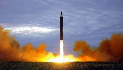 Светът е пред възходяща спирала от ядрено въоръжаване