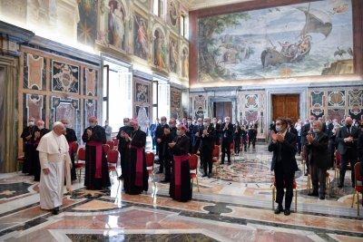 Папа Франциск прие медици от Ломбардия, нарече ги ангели
