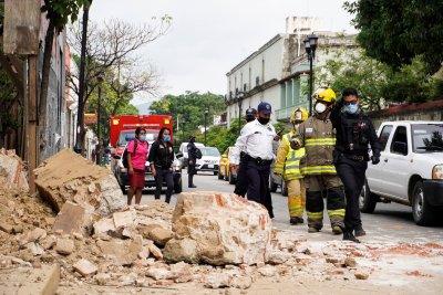 Най-малко пет жертви на силния трус в Мексико