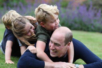 Принц Уилям навършва 38 години