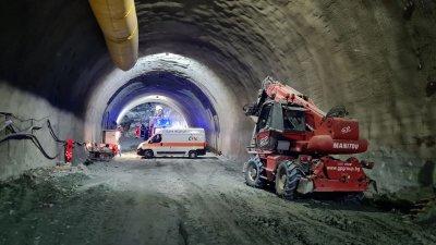 """Комисия ще проверява причината за инцидента в тунел """"Железница"""""""