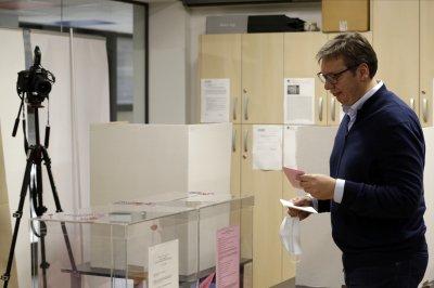 Управляващата коалиция печели парламентарните избори в Сърбия