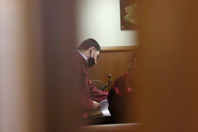 Съдът гледа мерките на задържаните антимафиоти от ГДБОП (СНИМКИ)