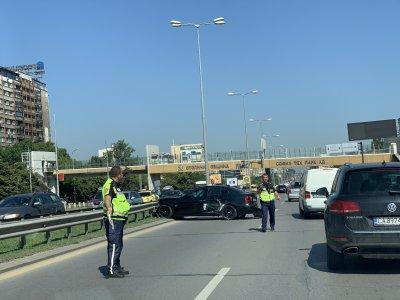 """Тежка катастрофа с автобус блокира """"Цариградско шосе"""""""