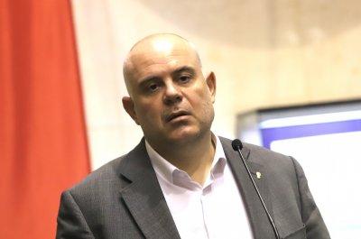 Гешев: Загубихме малка битка, но ще спечелим войната срещу корумпираните политици