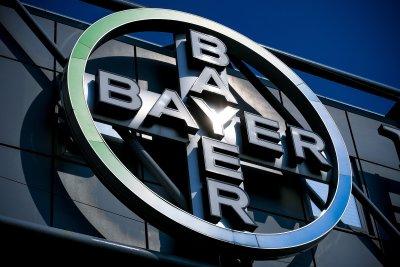 """""""Байер"""" плаща милиарди заради делата срещу """"Раундъп"""""""