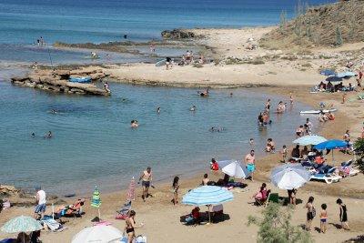 Кипър ни сложи в рискова група. Ако ще ходите там – тест за COVID-19
