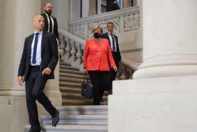 Меркел сложи маска за първи път от началото на пандемията