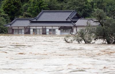 Порой наводни старчески дом и взе 14 жертви в Япония