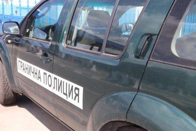 21 са мигрантите, хванати край Любимец. Задържаха двама българи за 72 часа