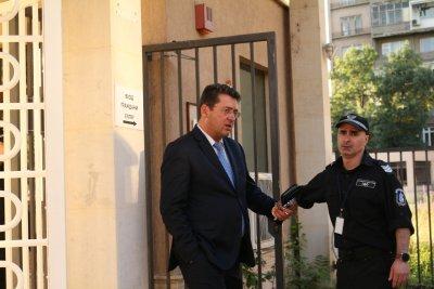 Разпитаха секретаря на президента Пламен Узунов