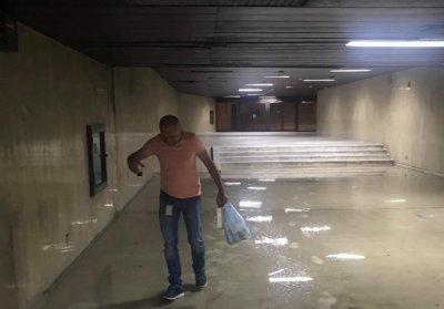 Пороят порази и НДК – наводнени офиси, паднали панели