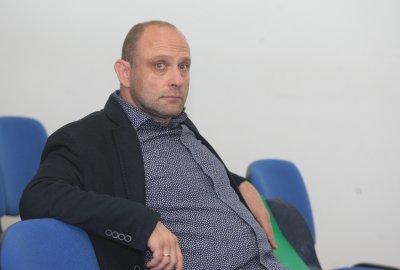 Тити Папазов във фейсбук: Заразен съм с COVID-19