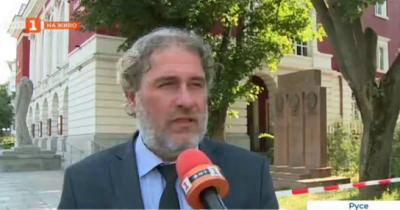 Министър Банов за пожара в Операта в Русе: Щетите са малко на фона на това, което можеше да се случи
