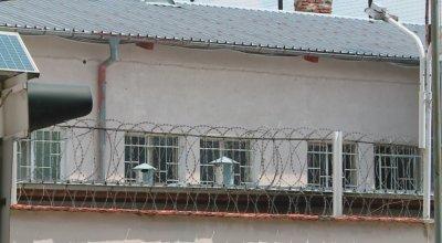 Тестват служители в Пловдивския затвор заради надзирател с коронавирус