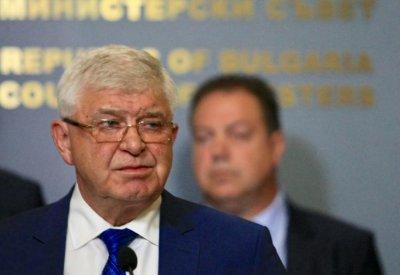 НА ЖИВО: Брифинг на министър Ананиев, ген. Мутафчийски и доц. Кунчев