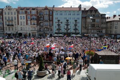 В Полша гласуват на втори тур на президентски избори