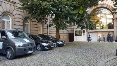 Прокурори влязоха в сградата на Президентството