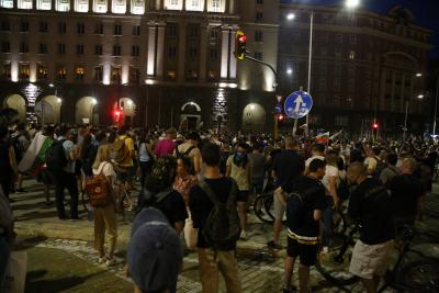 18 души са задържани след протестите в столицата снощи