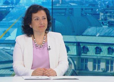 Министър Танева призна за трудната жътва, но хляб ще има. Ще скочат ли цените?