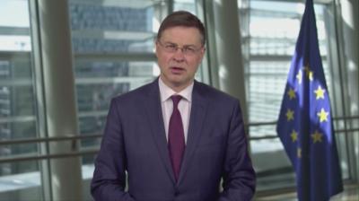 Валдис Домбровскис поздрави България за приемането в чакалнята на еврозоната