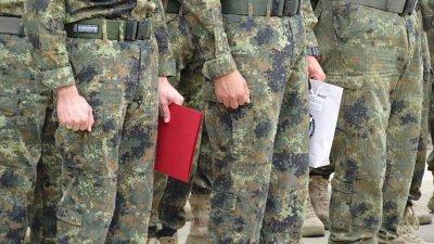 Двама военни от контингента ни в Афганистан са със симптоми на Covid-19, транспортират ги у нас