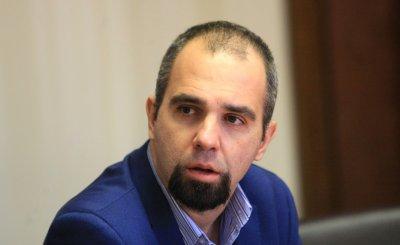 Първан Симеонов: Освобождаването на министри е знак, че Борисов иска да остане до края
