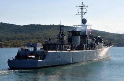 """Министър Каракачанов, адмирал Ефтимов и посланик Мустафа ще се качат на """"Дръзки"""""""